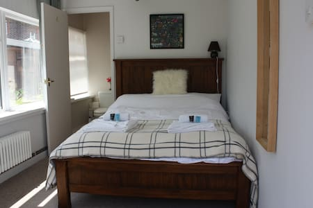 Double Bedroom + En Suite, Near Sea - Emsworth - บ้าน