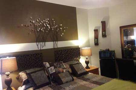 Comfortable & cozy room. - Elk Grove - บ้าน