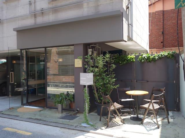 *Opening Sale* 201 Studio - 3 minutes from Sangsu Station