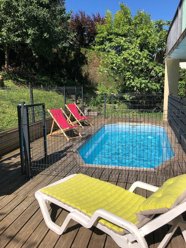 Parenthèse cosy avec piscine jardin - Perigueux