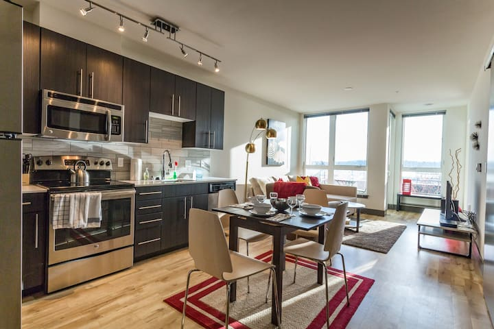 Modern dog-friendly condo right in the middle of Belltown!