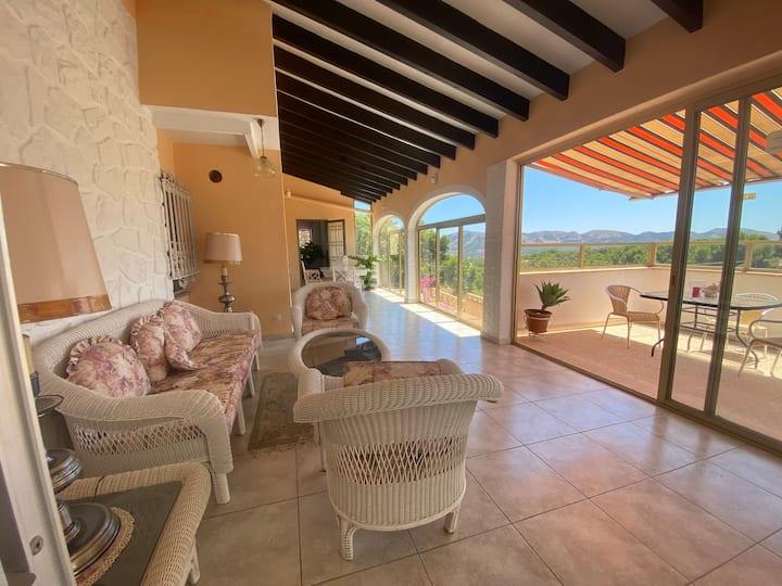 Belle villa à côté de Benidorm , Barbecue,piscine!