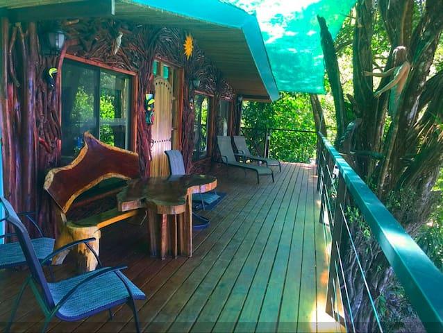 Casa Tarzan Close to Beach - พุนตาเรนาส - บ้าน