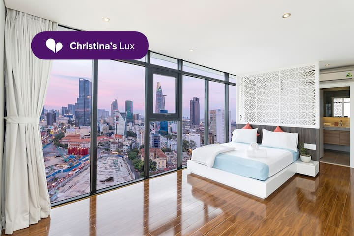 Christina's Lux ✯1BR Penthouse BT197✯SUPER CENTRAL