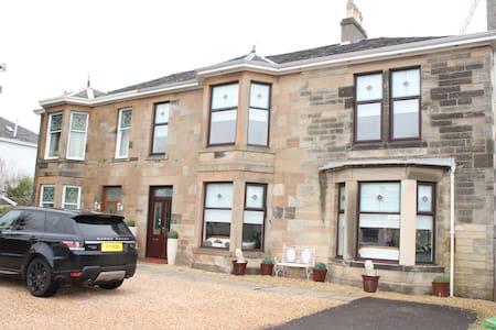 The Residence, Giffnock - Giffnock