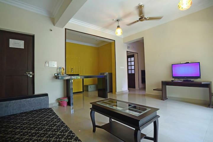 Cozy Room with Separate Living room and Bedroom - Calangute - Bed & Breakfast