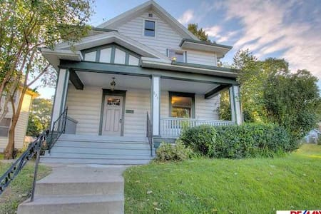 Omaha-entire home in Midtown - Омаха - Дом