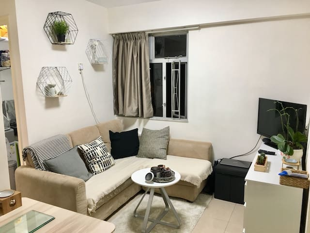 Cosy double bedroom in Sheung Wan