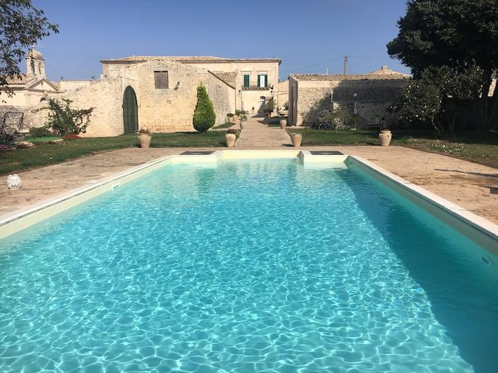Villa Castiglione 1863 - The real Sicilian holiday