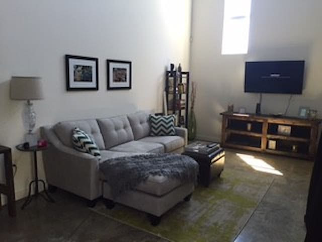 Loft on S. Macdill: South Tampa