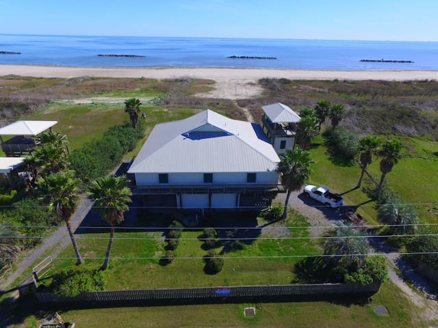 Beautiful Executive Beachfront in Grand Isle - Shawnuff South