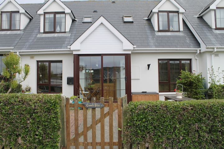 West Cork Beach Cottage, Tragumna, Skibbereen - Cork - House