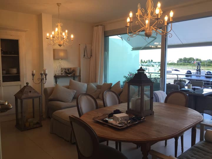 Luxury apartment at the touristic port of jesolo