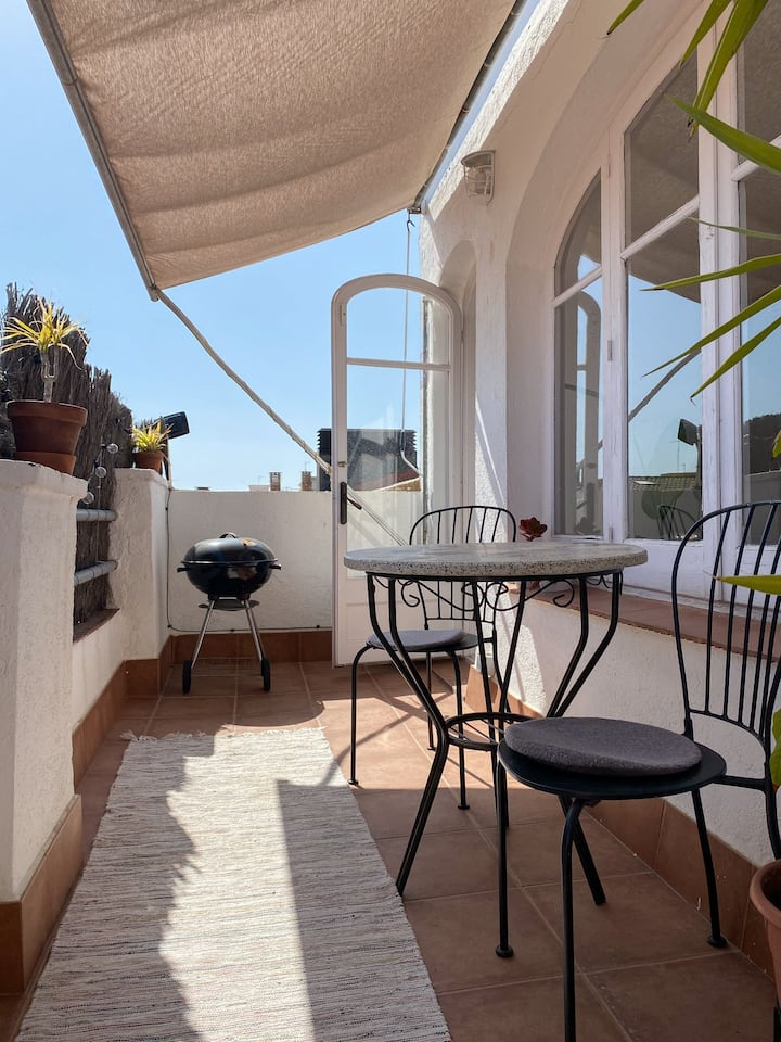 Bright & cozy penthouse in Calella
