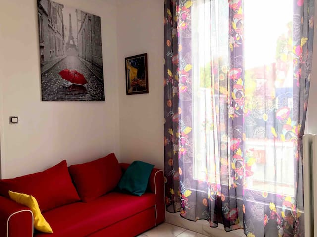 Comfortable room, free breakfast, 27 min paris
