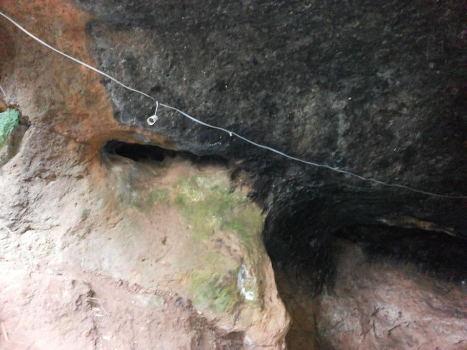 Mau Mau Caves