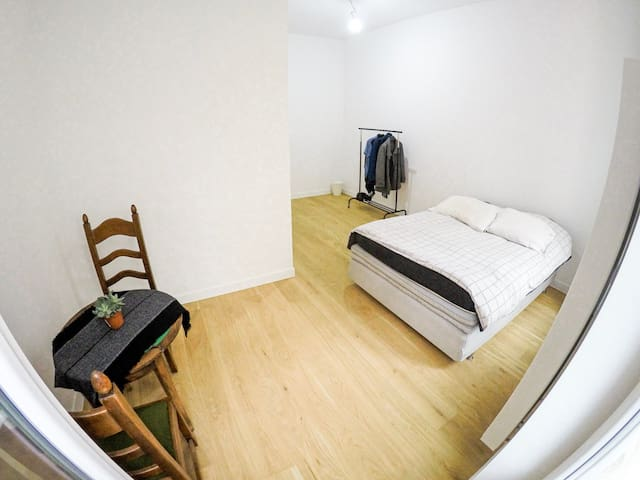 Cosy and Bright room in Ixelles