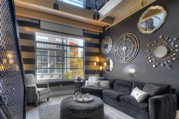 Newly renovated Penthouse Loft
