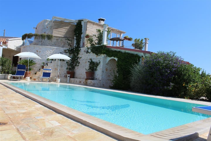 Trullo Saraceno, exclusive tipical villa with pool