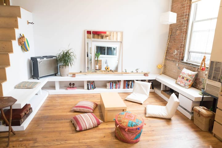 Sunny and Serene -  Creative Loft Space - Brooklyn - Loft