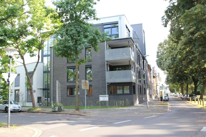 Große moderne Wohnung bei Düsseldorf - Krefeld - Apartment