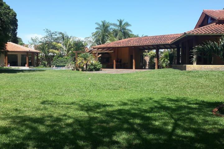 Villa GES - Frente Aeropuerto VIRU VIRU