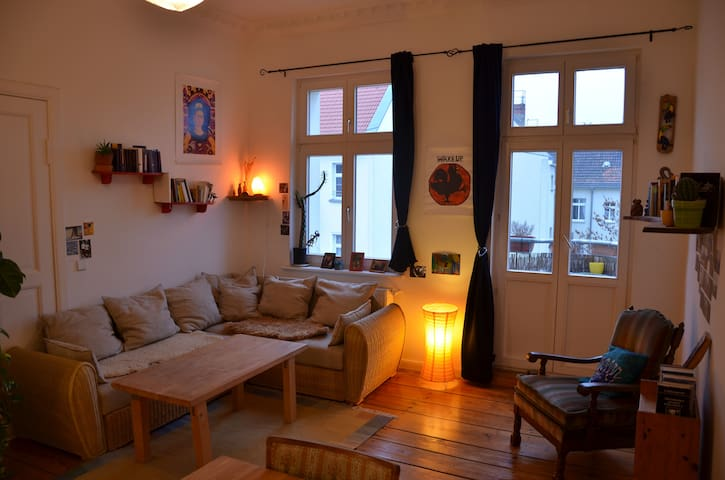 Beautiful room with balcony in Friedrichshain