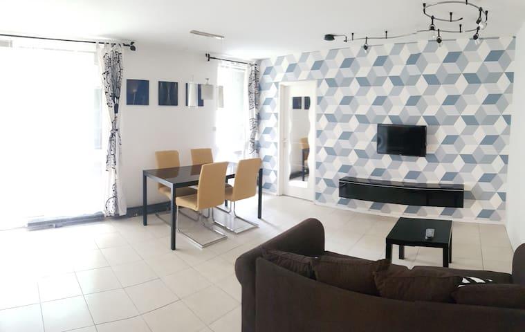 appartement cozy 2 pieces avec terrasse et jardin