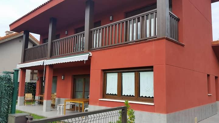 Casa roja en Loroñe