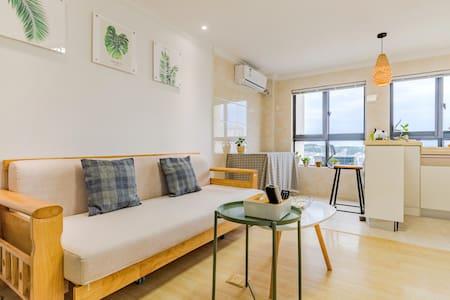 黄山老街临江loft双层公寓,日式清新风,家具家电齐全