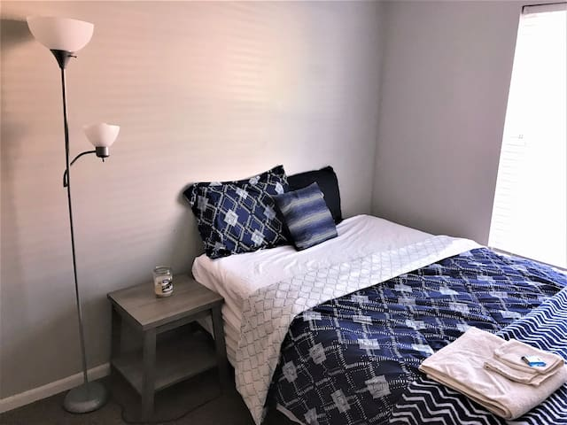 Clean and affordable private Room (A) near BSU