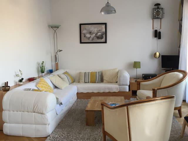 Appartement lumineux, 2 personnes, centre-ville .