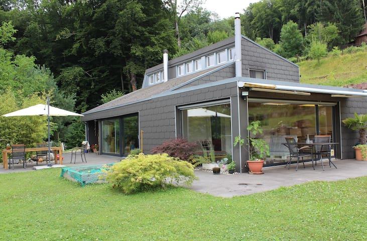 Blick auf den Wintergarten / View onto the conservatory