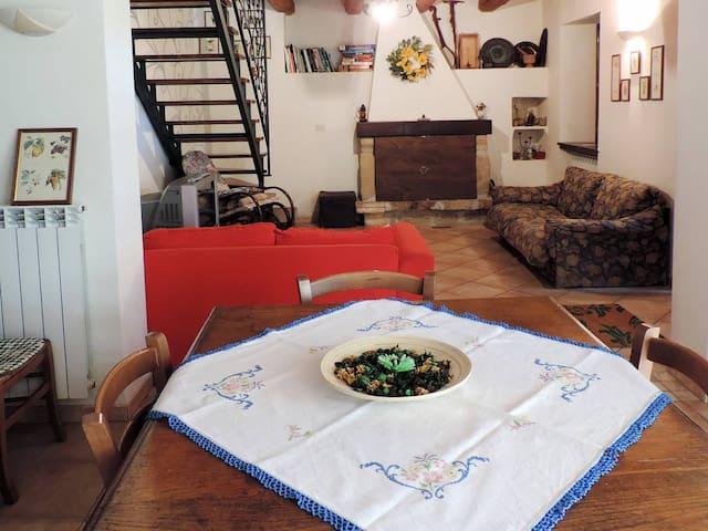casa nel bosco del parco nazionale Gran Sasso - Arsita