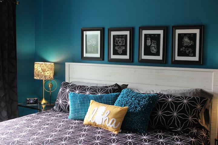 """Vintage Photography""  Bedroom (King)"