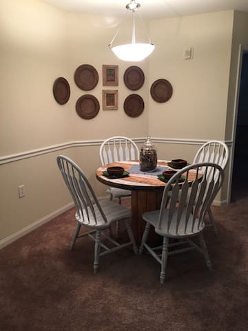 Shared Apartment. Great Location