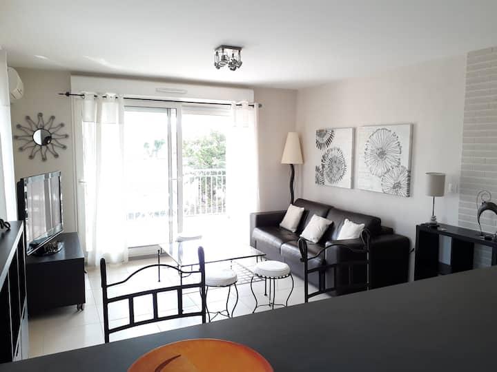 Appartement T2 avec terrasse, L'Isle sur la Sorgue