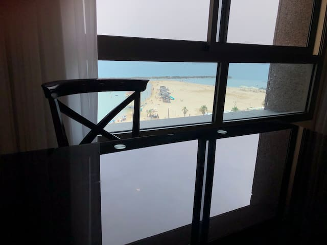 Luxury apartment on the beach! Water line flat!