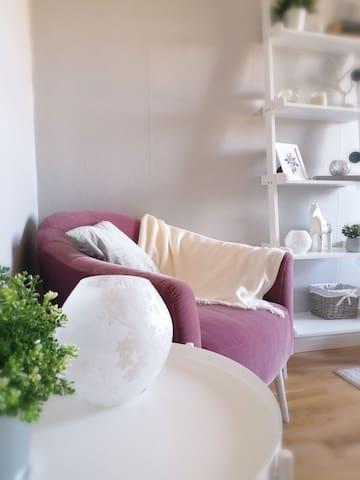 Quiet private room near city centre