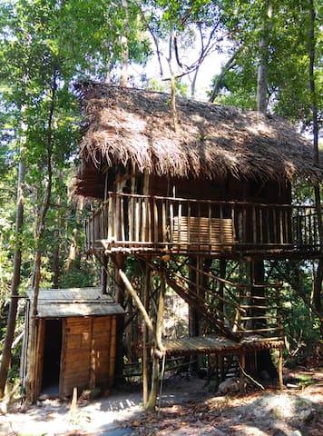Rainforest Tree House 。 - Kulai - Talo