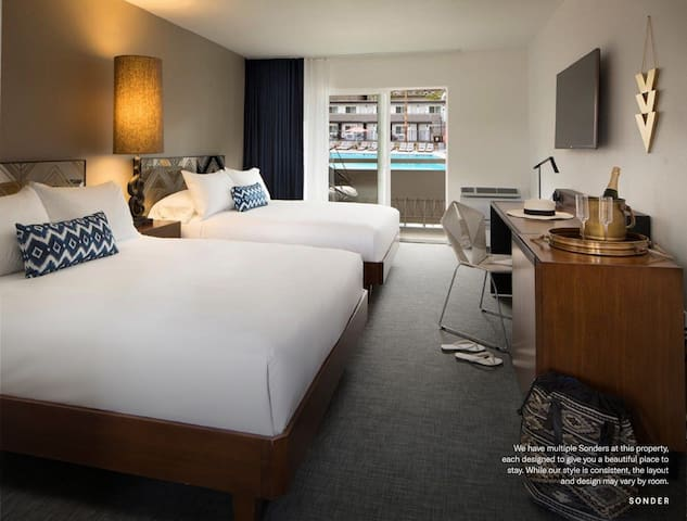 Sonder | Deluxe Double Room at V Palm Springs