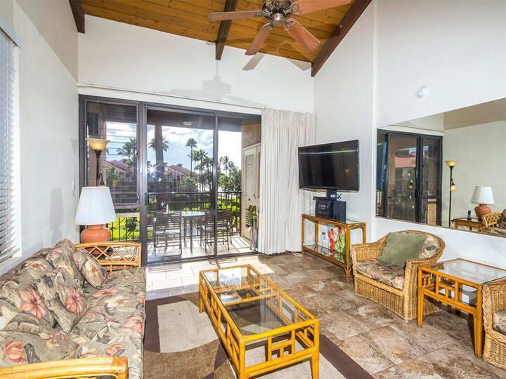 Suite Paradise! Kitchen Perks, Washer/Dryer, WiFi, Scenic Lanai–Kamaole Sands 1402