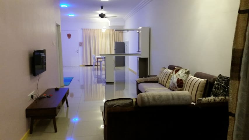 Comfy Homestay near Taiping Lake Garden - Taiping - Apartment