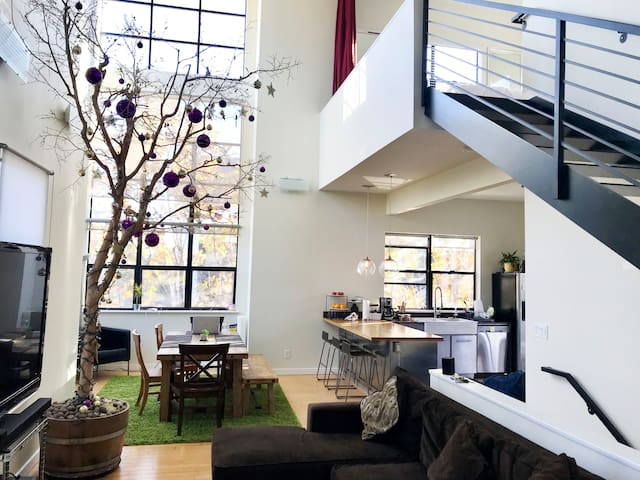 Two-story Loft With Trees + Deck and Lounge