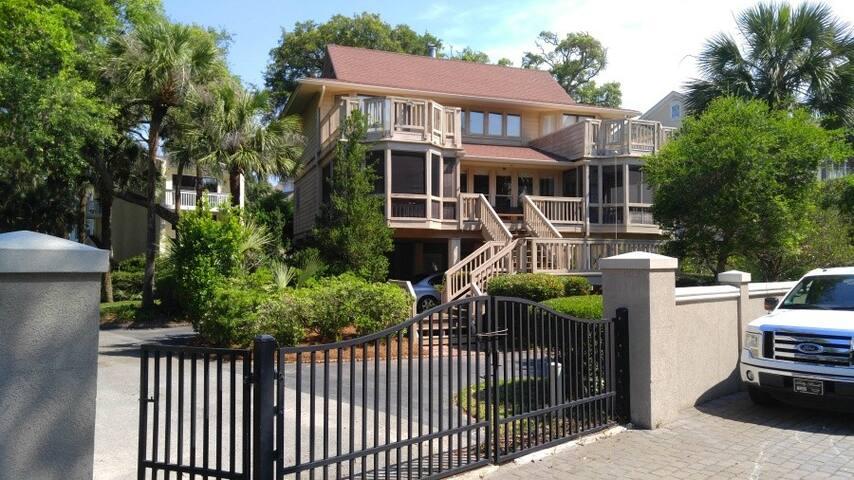BEACHSIDE HOUSE Oceanside 3 bedroom 4 bath - Hilton Head Island - Departamento