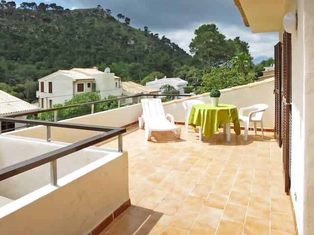 Holiday apartment in Cala San Vicente for 8 persons
