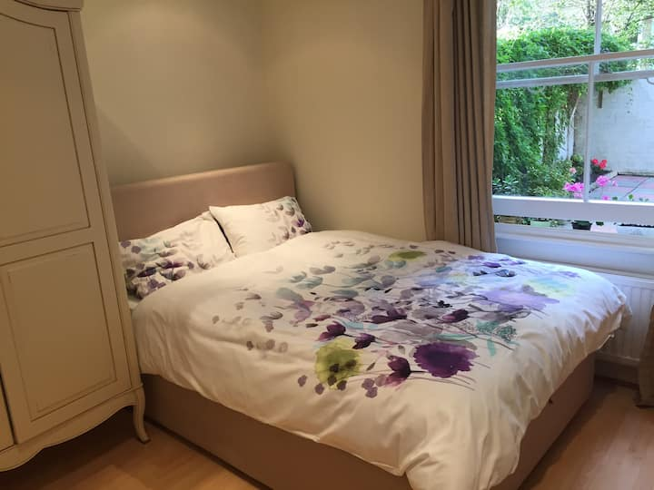Double room near OlympiaKensington and HollandPark