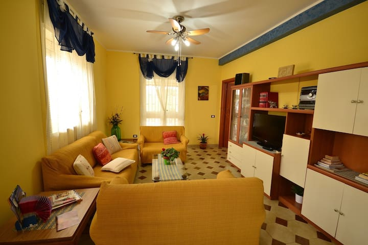 Pleasant Holiday Home with Balcony, Veranda, Barbecue