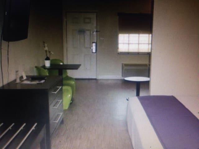 Cozy The Resort Apartments - 霍桑 - ที่พักพร้อมอาหารเช้า
