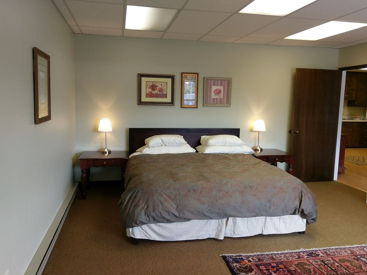 1st bedroom with king bed.